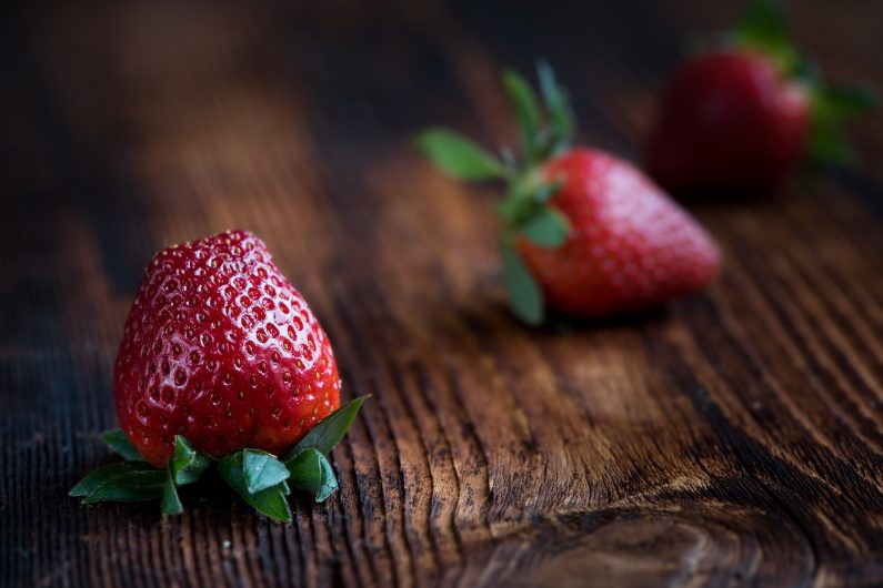 strawberries-1339969_1920